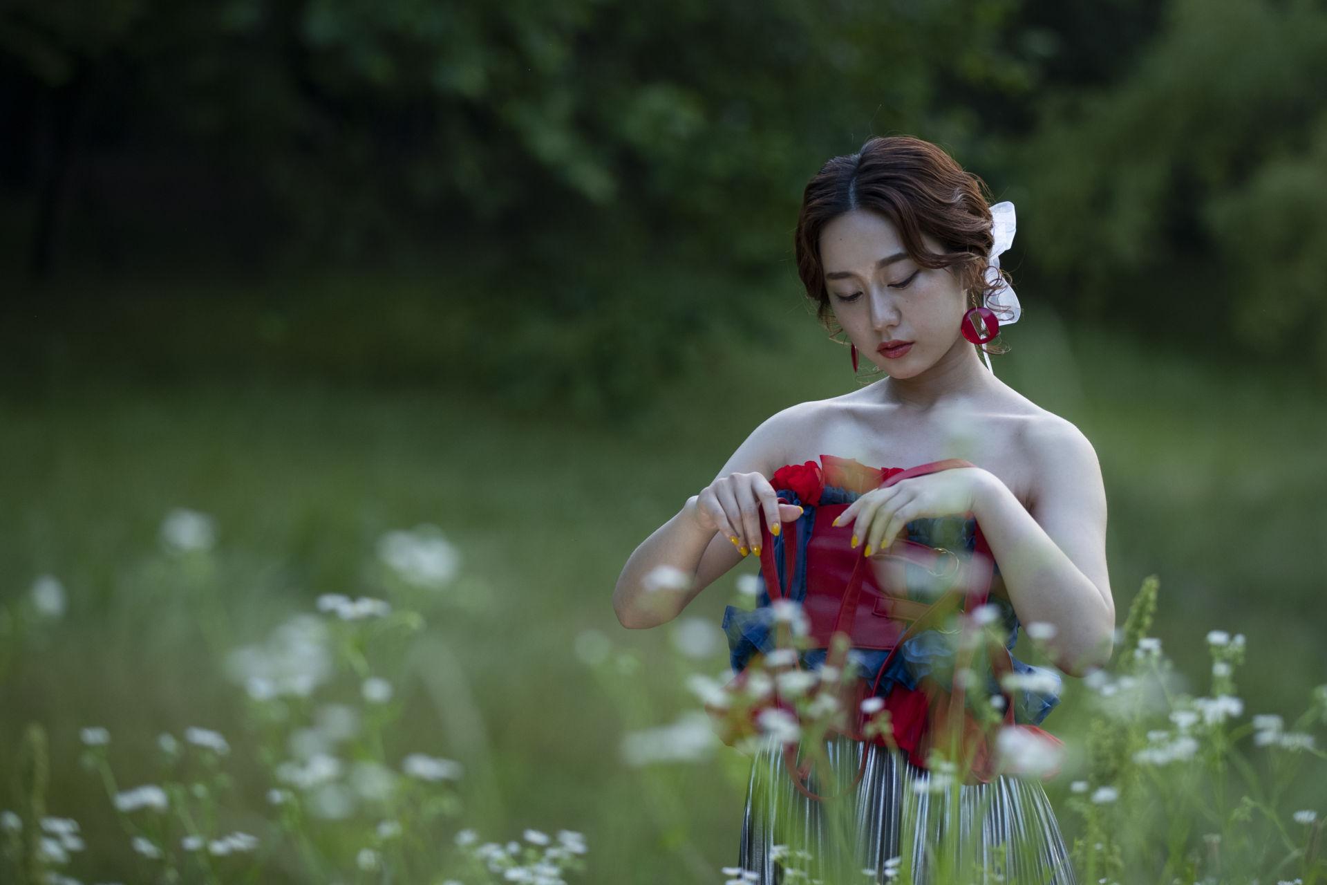 PHOTOGRAPHING -serina-